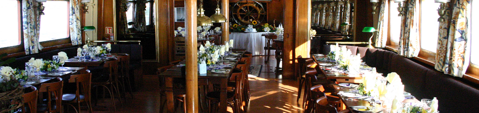 The Middle Deck Restaurant
